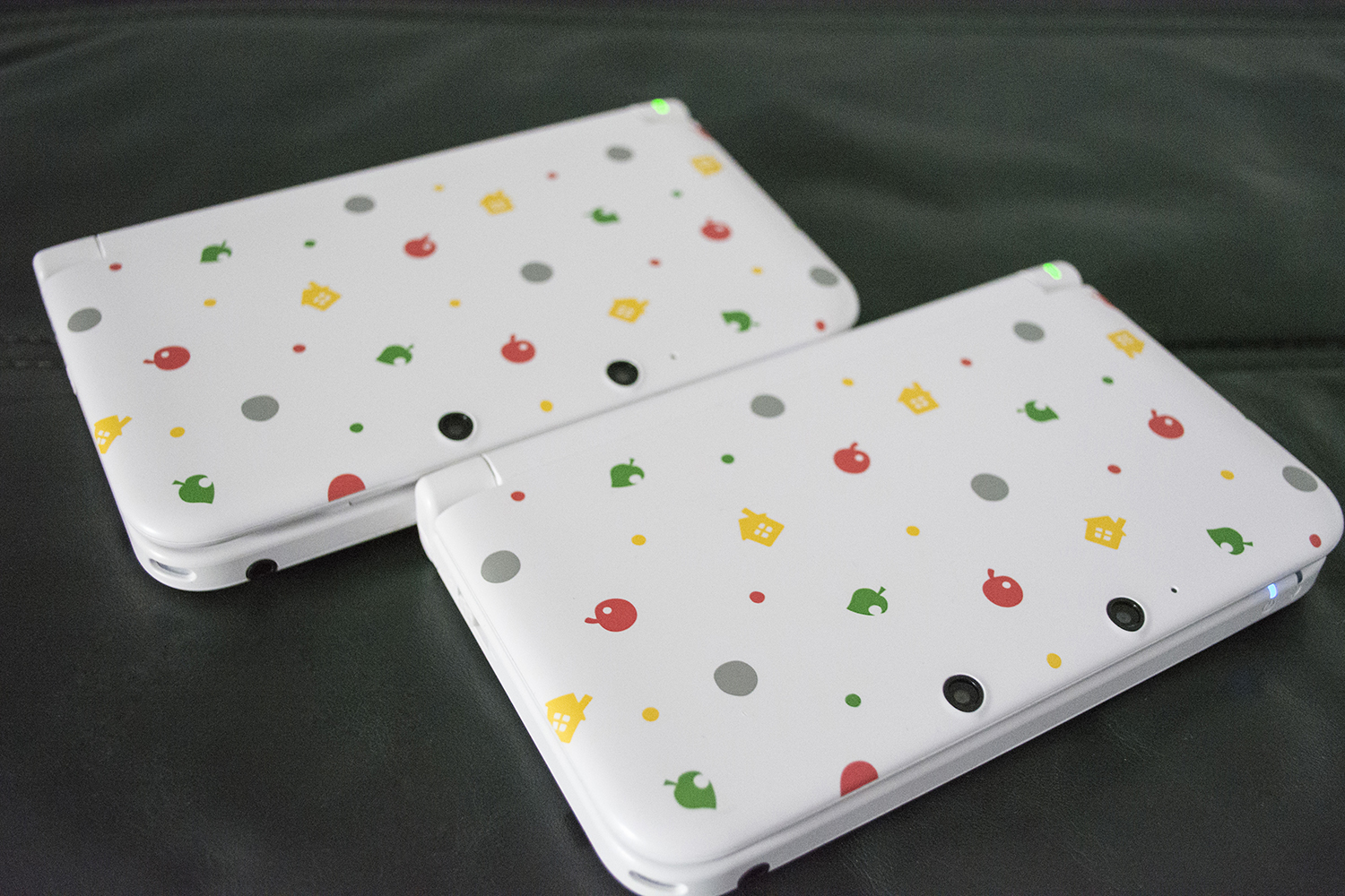 Animal Crossing Nintendo 3DS XL Closed Side By Side