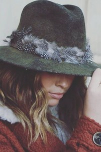 6 Must Have Accessories Every Woman Needs
