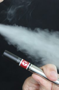10 Reasons Why Every Smoker Should Switch to E-cigs and Vape Pens Today