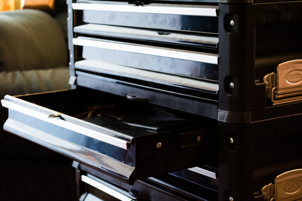 An open drawer on the Motamec Racing Modular Tool Cart