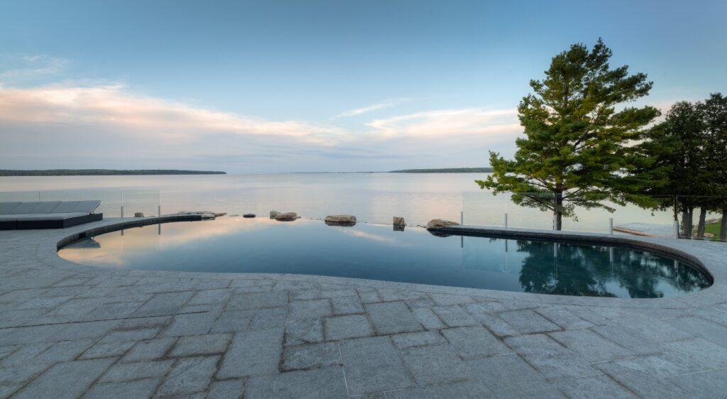 Infinite hot tub overlooking lake