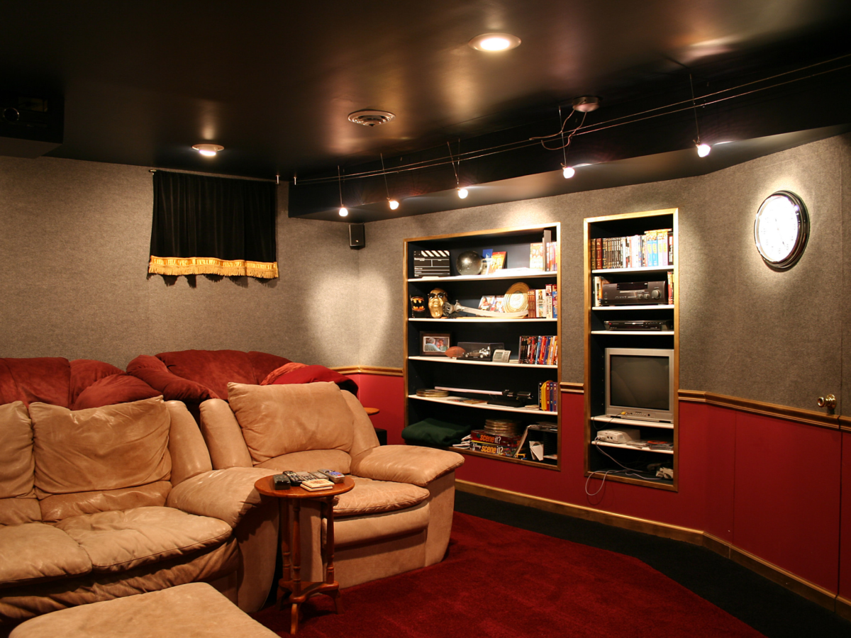 Creating The Ultimate Fun-Filled Entertainment Room