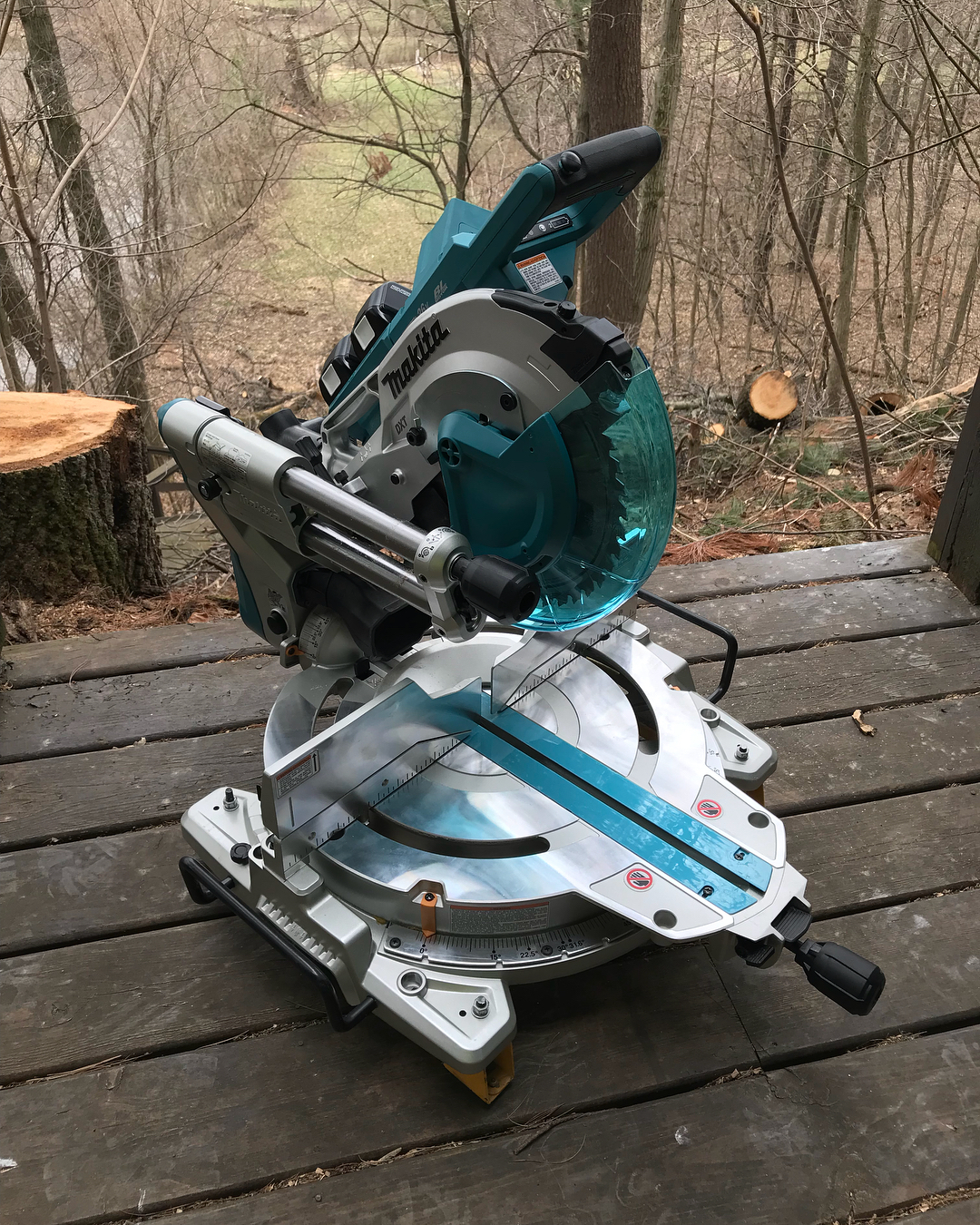 Circular Saw Vs Miter Saw – Which One Should A Beginner Use?