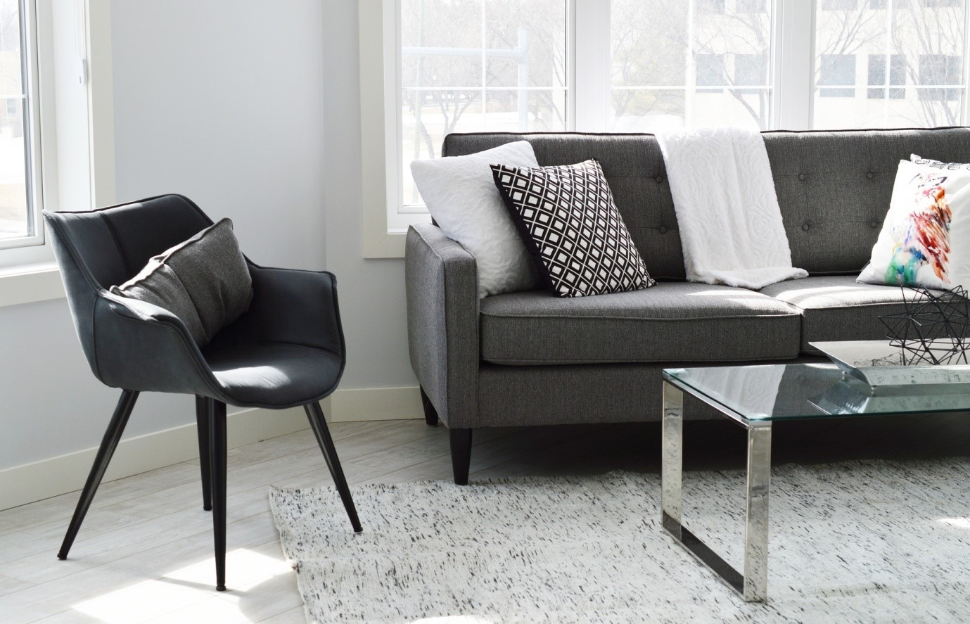 5 Pieces of Furniture You Can Use To Decorate Your Small Apartment