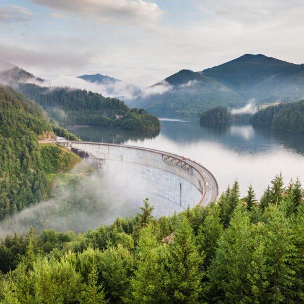 Dam in Barajul Drăgan-Floroiu, Lunca Vişagului, Romania