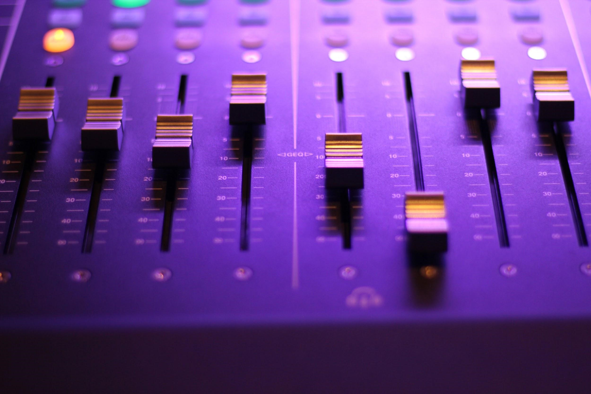 Saving Money On Your Home Music Recording