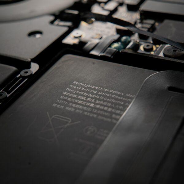 MacBook battery