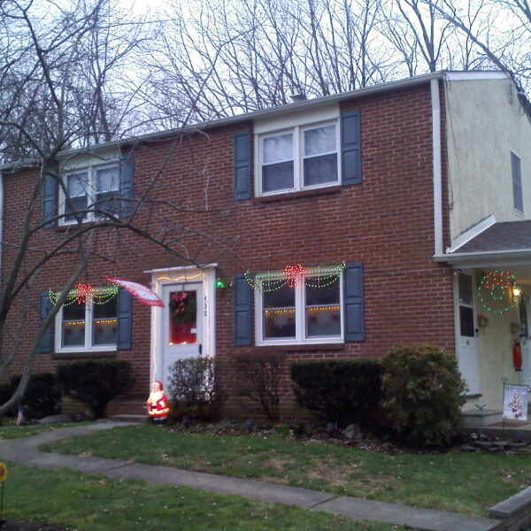 Over and under house type of duplex house in Eastern Pennsylvania