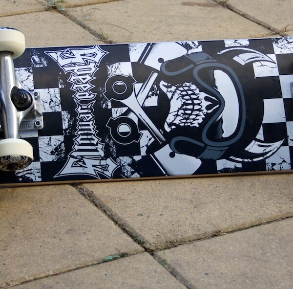 Speed Demons complete skateboard, Kustom Parko shoe